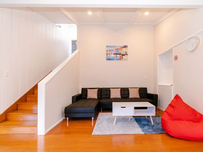 Photo for Takapuna Central Spacious & New 2 Bedroom Unit