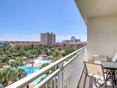 Photo for Incredible family-friendly condo w/ swimming pool & furnished balcony!