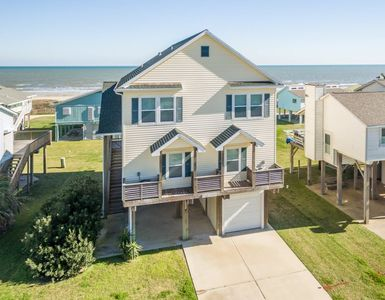 Photo for Gorgeous Beachside Home in Spanish Grant!