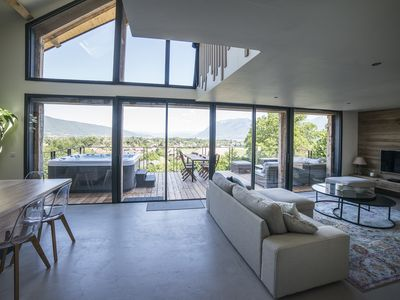 Photo for Luxurious chalet with 180 ° views of Lake Annecy