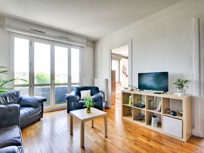 Photo for Superb apartment at the gates of Lyon