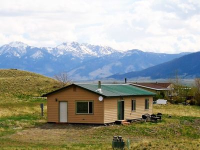 Photo for Serene Emigrant Cottage - 25 Miles to Yellowstone!