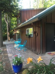 Photo for Wine Country Cabin in the Woods