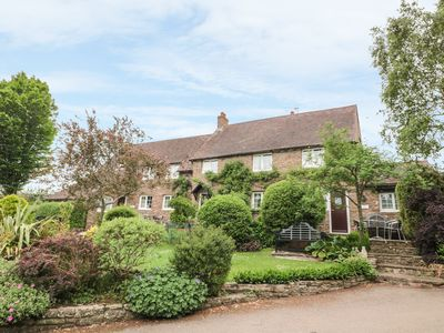 Photo for OAK COTTAGE, family friendly, with open fire in Monmouth, Ref 981132