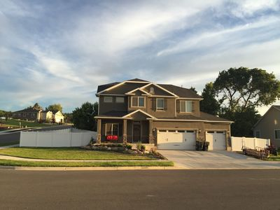 Photo for Newly Built Home With 6 Bed/3.5 Bath! 15 minutes to Lagoon, HAFB, and Snowbasin!