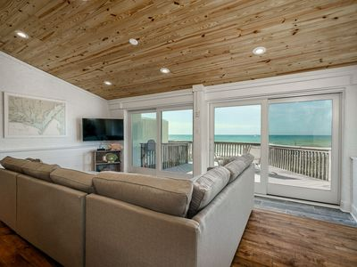 Photo for Beatiful Beach Front Condo