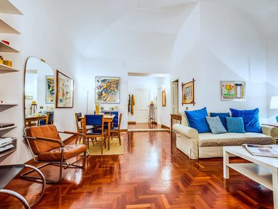 Photo for Well decorated flat with amazing central location!