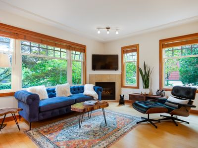 Photo for Stylish & cozy Kitsilano townhouse