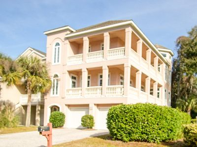 New Listing!  Close To The Beach With Lagoon View - Sleeps 17 In Beds