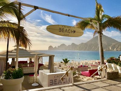 Photo for Ocean Front Resort Cabo San Lucas, Medano Beach, short walk to marina/town
