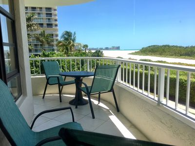 "Photo for Beach ""Front"" Condo, Clean, with Concierge Check-in, Easy Pool & Beach Access"