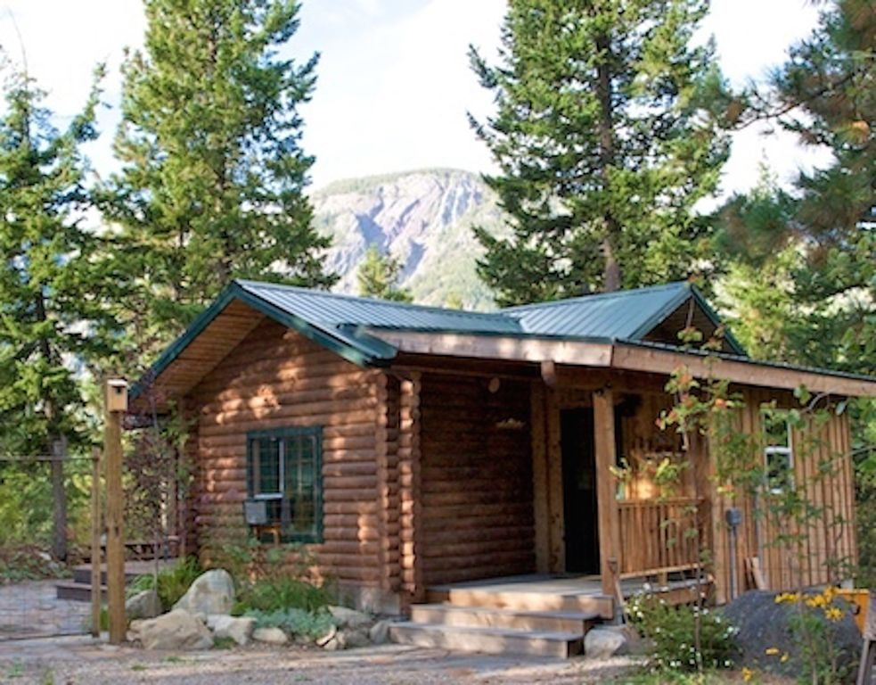 Rocky top cute and cozy log cabin mazama north cascades for Winthrop cabin rentals