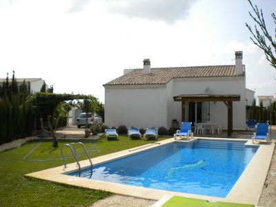 Photo for Detached house with private pool in Conil de la Fronterea