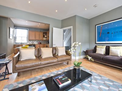 Photo for 3 DBL BEDROOMS FAMILLY APT CLOSE TO NOTTINGHILL AREA KING SIZE BED IN MASTER