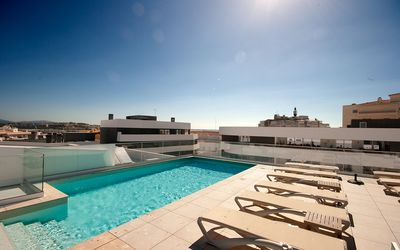Photo for New Luxury 2 bedroom contemporary apartment with Roof Top Pool- A/C & WiFi