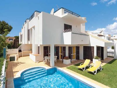 Photo for Ideally located family Villa w/pool & BBQ, a short drive from a marina!