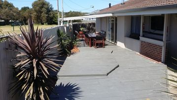 River Beach House (FREE WIFI +: River Beach House (FREE WIFI + FOXTEL) -  9153824