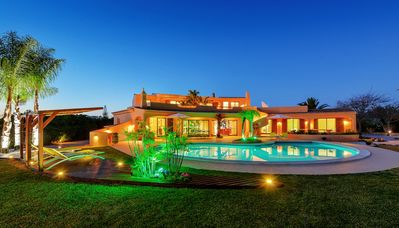 Photo for Luxury Villa with Pool and Lounge Tropical zones
