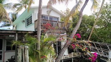 Conch Key Bayfront Cottages With Sailboat included