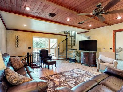 Photo for NEW LISTING! Relaxing & secluded golf course cabin on hole #7, near beach access