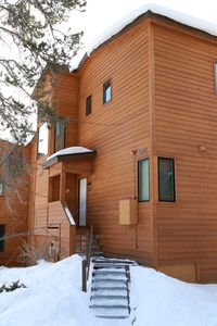 Large welcoming fully updated 4 bedroom townhome in Keystone