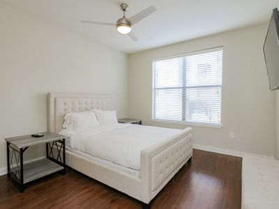 Photo for SoBe Nashville 2 BD|2 BA Walk to Broadway Sleep 6 - Apartment