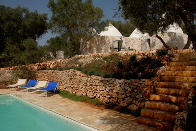 TrulliPecorino - lovingly restored 6-cone trulli with private pool