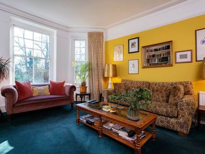 Photo for UP TO 20% OFF - 2 bed Mansion apartment, located in leafy Hampstead  (Veeve)