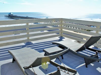 The Villa ~ Luxury tri-level condo w/ panoramic ocean views!