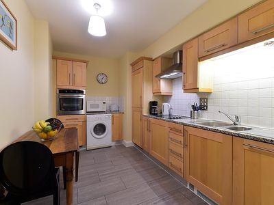 Photo for Apartment in London with Lift, Internet, Washing machine (329976)