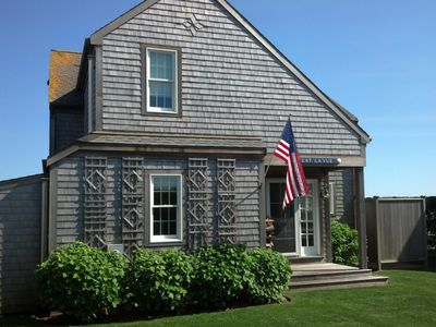 Cozy Nantucket Beach Front Cottage Beautifully Decorated And Furnished