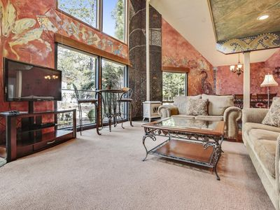 Photo for Charming Home near Fort Rock Park w/ WiFi, Hot Tub, BBQ & Free SHARC Passes