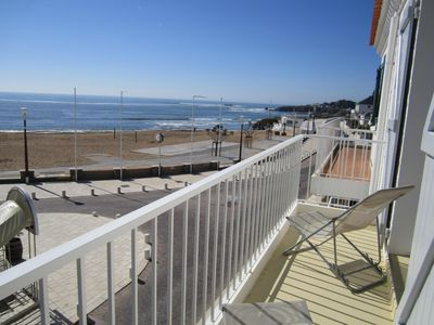 Photo for SEA FRONT. Appart 6/8 pers in HOUSE, 3 stars, 30 m beach of BOISVINET.
