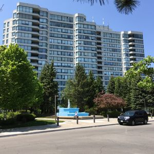 Photo for Greater Toronto Area  Vacation Rental, Upscale, Condo, Lux, cozy, Clean, Parking