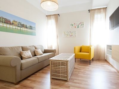 Photo for Laraña 5.3 apartment in Casco Antiguo with WiFi, air conditioning & lift.