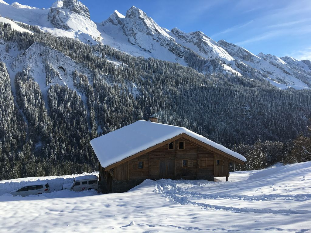 Renovated charming chalet old wood and stone quiet and close to the slopes le grand bornand - Wood and stone house plans a charming symbiosis ...