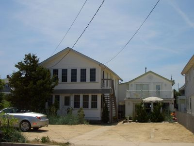 Lovely cottage, 1/2 block from the beach.  Family and pet friendly.