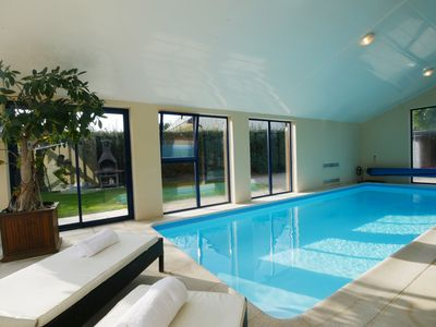 Photo for Luxury villa, heated pool at 30 °, Spa at 37 °, 200 m beach and trails