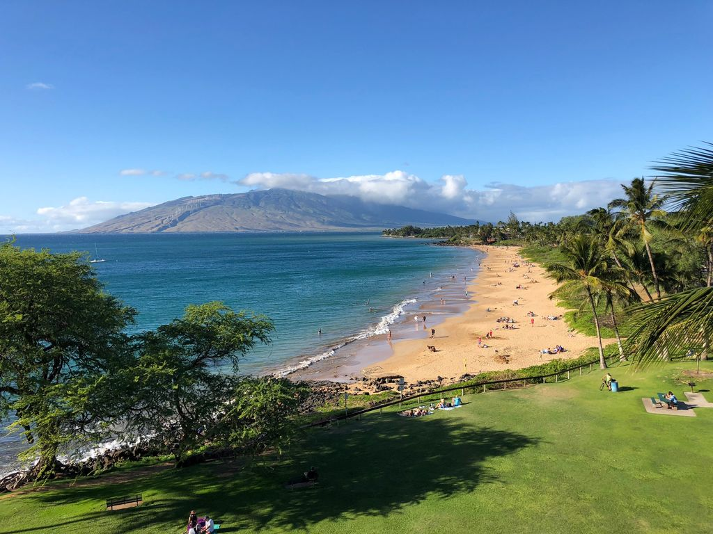 BEACHSIDE PENTHOUSE Royal Mauian 604  Kihei