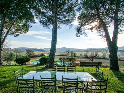 Photo for 5 bedroom house with private pool at 7km from village in southern Umbria