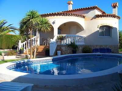 Photo for 3 bedroom Villa, sleeps 8 in l'Hospitalet de l'Infant with Pool and WiFi