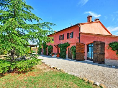 Photo for Villa in Castiglione D'orcia with 5 bedrooms sleeps 15