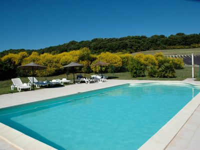 Photo for Gite for 2/6 people, quiet, in the countryside, common swimming pool