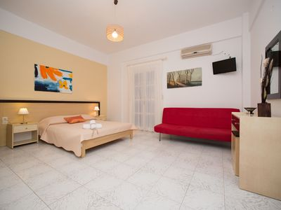 Photo for 1BR Apartment Vacation Rental in Σαντορίνη