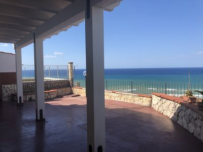 Photo for Beautiful apartment with panoramic sea views.
