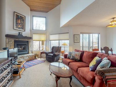 Photo for Flagstaff home w/ a gas fireplace and furnished balcony
