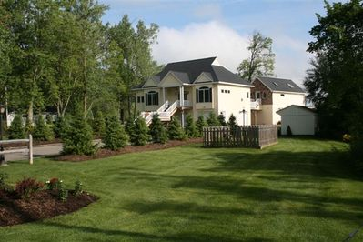 ONE ACRE OF LANDSCAPED GARDENS