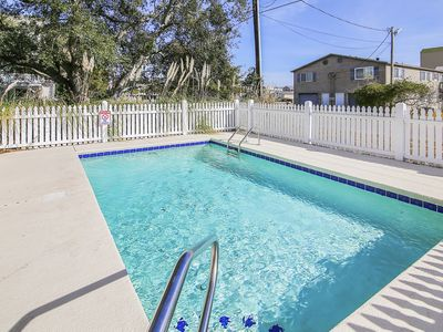 Photo for **ALL-INCLUSIVE RATES** Barefoot Bungalow - Private Pool & 500 ft to Beach!