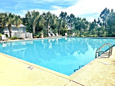 Photo for Pet friendly in Morgantown. 2 pools and easy beach access!