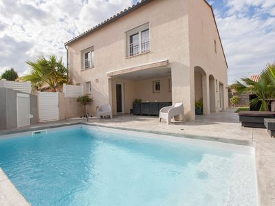 Photo for Villa COCOONING with SWIMMING POOL